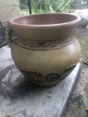 Beautiful large flower pot Spanish design for Sale in Claremont, CA