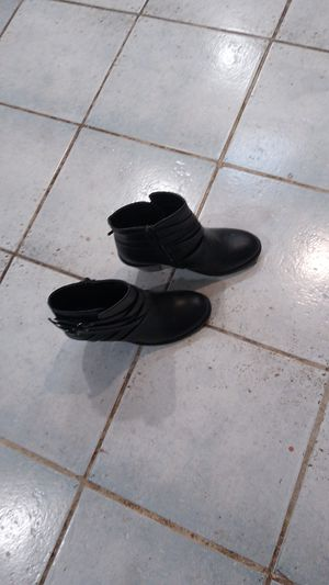 Size 7 1/2 TC ankle boots for Sale in Lawton, OK
