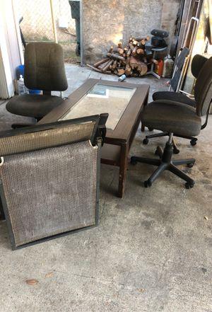 1 mesa 3 sillas una silla como cama for Sale in Fresno, CA