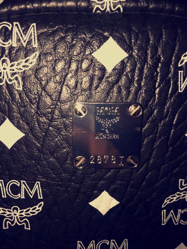 Black stark MCM bag Black/White 100% authentic