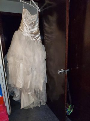 Light gold wedding dress for Sale in San Leandro, CA