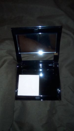 Mary Kay sheer mineral pressed powder Ivory 1 w compact New for Sale in Richmond, VA