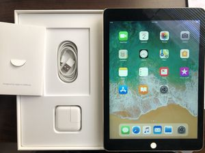 iPad Air 2 64GB Gold for Sale in Silver Spring, MD