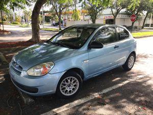 2008 hyundai accent for Sale in Miami, FL