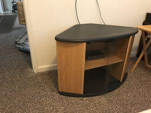 Small entertainment center/corner table for Sale in Orlando, FL