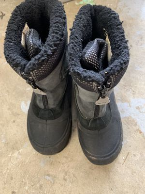 Kids snow boots size 2 for Sale in San Jose, CA