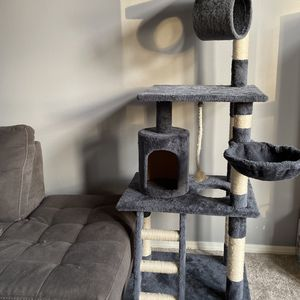 Cat Tree Post for Sale in Bothell, WA