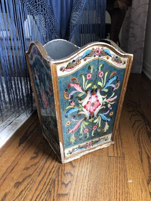 Antique waste basket for Sale in Los Angeles, CA
