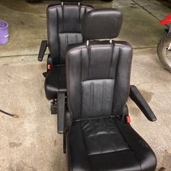 Seats For Dodge Caravan RT Middle Row for Sale in Monroe,  WA
