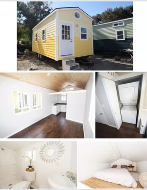 Tiny house on wheels full finished professionally built full kitchen and bath for Sale in Seattle, WA
