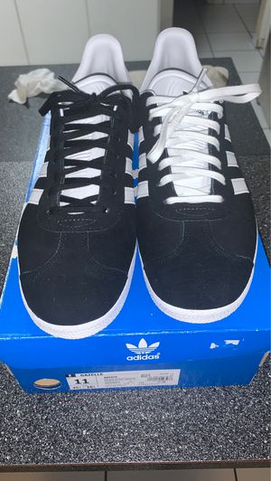 black and white adidas gazelle size 11 for Sale in Miami, FL