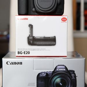 Canon EOS 5D Mark IV ( Almost New) with New BG-E20 Grip Back Up Body. Barely used. Brand New Grip. for Sale in McKinney, TX