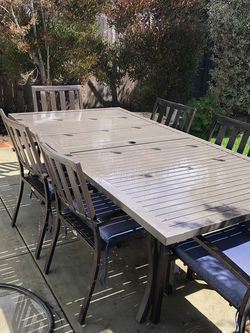 Patio Dining Table With 4 Chairs for Sale in Newport Beach,  CA