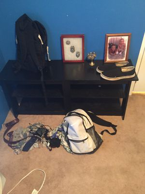 Computer desk and a free tv stand for Sale in Perry, GA