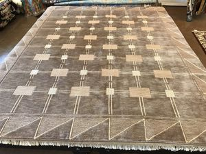 AREA RUG TIBETAN HANDMADE 100% WOOL CUSTOM DESIGN Size: 8x10 AREA RUG AREA RUG TIBETAN HANDMADE 100% WOOL CUSTOM DESIGN Size: 8x10 RUG TIBETAN HANDMA for Sale in Gig Harbor, WA