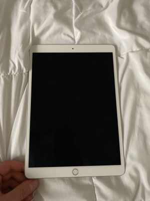 iPad Air (64 GB) Brand New for Sale in Tulsa, OK