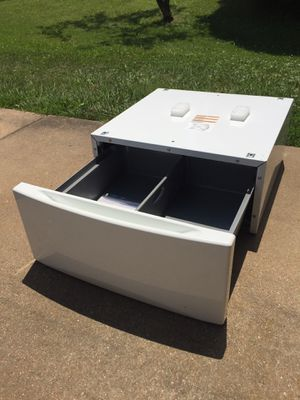 Front Load Washer or Dryer Laundry Pedestal for Sale in St. Louis, MO