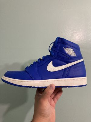 """Jordan 1 high """"Hyper royal"""" size (12). In men's. Worn in excellent condition, comes with OG all. $155 takes today! No tardes. Picked up in Providence. for Sale in Providence, RI"""