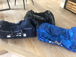 2 duffle bags for Sale in Woodinville, WA