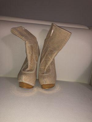 Golden High heels for Sale in Hialeah, FL