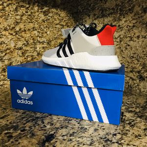 Men's adidas shoes size 9 for Sale in Hialeah, FL