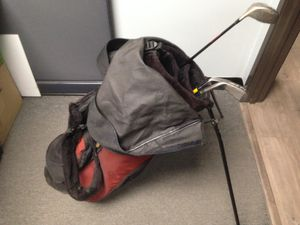 Golf Bag With Leg Stand w/ Golf Clubs And Golf Balls for Sale in Corona, CA