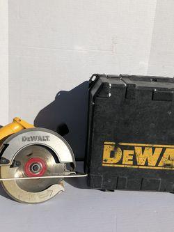 """Dewalt 7 1/4"""" Circular Saw DW364 for Sale in Las Vegas,  NV"""