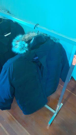 New heavy duty Northface jacket, Large. for Sale in Newport, RI