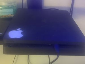 Play station 4 500GB (with controller) for Sale in Montpelier, MD