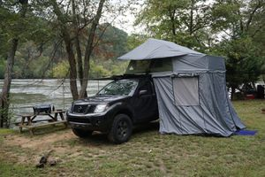 Anaconda Rooftop Tent and 9x9' Awning for Sale in Saint Petersburg, FL