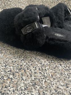 Women's Black Comfy Ugg Sandal Size 8🔥🔥 for Sale in Henderson,  NV