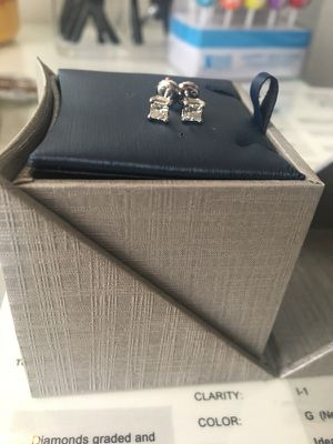 Diamond earrings for Sale in Woodbridge, VA