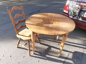 Vintage kitchen table 1 chair for Sale in Stockton, CA
