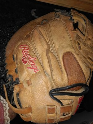 Youth baseball glove for Sale in Port Neches, TX