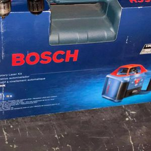 BOSCH 1000FT RED BEAM SELF-LEVELING ROTARY 360 LASER for Sale in Turlock, CA