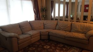 Stanton Leather Sectional w/pull out bed for Sale in Portland, OR