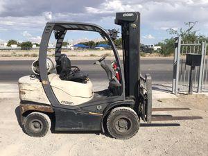 2010 Crown Forklift - LPG - 5k lb Cap - 3 Stage Mast w Side Shift for Sale in Las Vegas, NV
