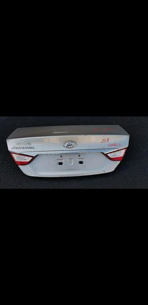 Hyundai sonata parts trunk lid for Sale in Miramar, FL