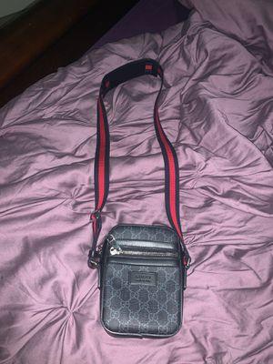 Gucci Supreme Small Messenger Bag for Sale in Addison, TX