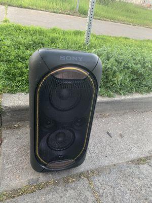 Sony portable speaker for Sale in Stockton, CA