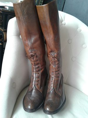 Stuart Weitzman Two tone Leather boots sz8 for Sale in Portland, OR