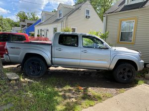 Toyota Tacoma 2006 4x4 1 70 millas muy buenas condiciones for Sale in NO BRENTWOOD, MD
