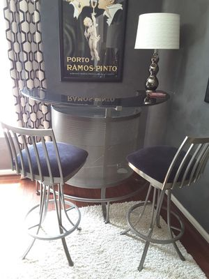Contemporary bar & 2 stools for Sale in Bel Air, MD