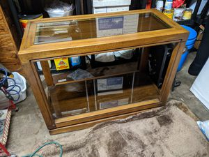 Small side TV console table in oak Walnut brown finish, with glass shelf for Sale in La Mesa, CA
