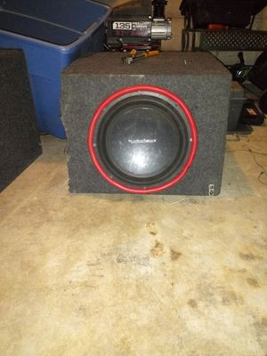 Very nice an like new four 12s an one 15 in subwoofer for Sale in Columbus, OH