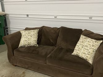 Comfortable Couch for Sale in Cedar Mill,  OR