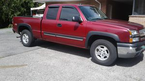 2004 chevy silverado 4x4 for Sale in Snohomish, WA
