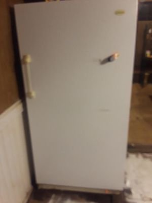 Stand up deep freezer for Sale in Atlanta, GA