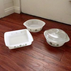 Set of three vintage Glasbake casserole for Sale in Pomona, CA