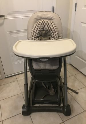 Graco 4 in 1 High Chair with Booster Seat for Sale in Rockville, MD